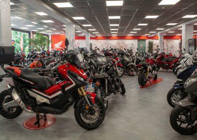 Ampia esposizione moto Honda